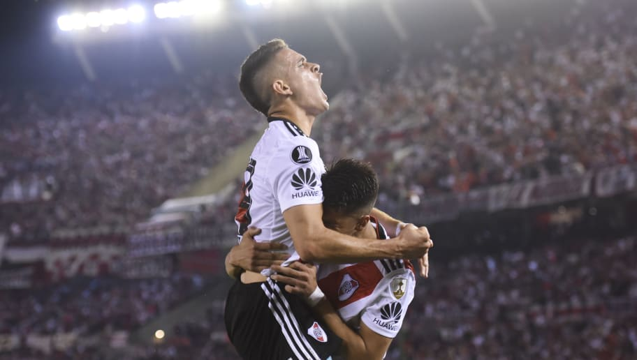 BUENOS AIRES, ARGENTINA - AUGUST 29: Exequiel Palacios of River Plate celebrates with teammate Rafael Santos Borré after scoring the second goal of his team during a round of sixteen second leg match between River Plate and Racing Club as part of Copa CONMEBOL Libertadores at Antonio Vespucio Liberti Stadium on August 29, 2018 in Buenos Aires, Argentina. (Photo by Marcelo Endelli/Getty Images)