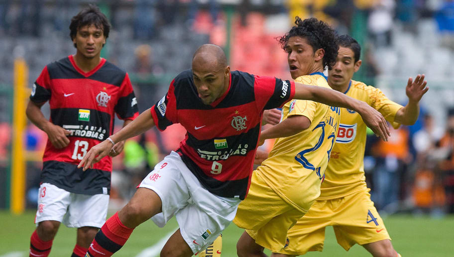Rodrigo de Souza (2nd L) of Brazilian Fl