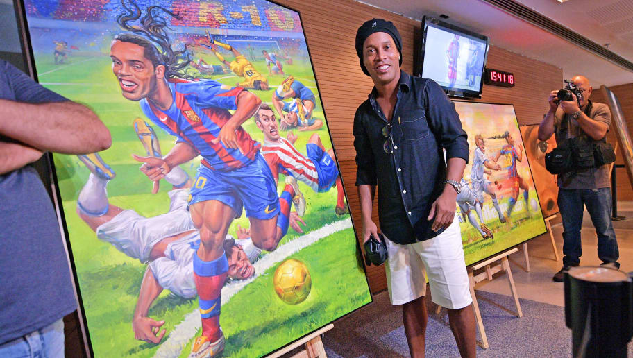 Ronaldinho to Come Out of Retirement in October