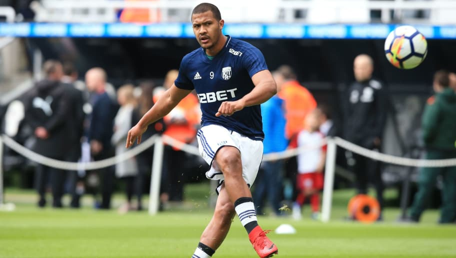 West Bromwich Albion's Venezuelan striker Salomon Rondon warms up ahead of the English Premier League football match between Newcastle United and West Bromwich Albion at St James' Park in Newcastle-upon-Tyne, north east England on April 28, 2018. (Photo by Lindsey PARNABY / AFP) / RESTRICTED TO EDITORIAL USE. No use with unauthorized audio, video, data, fixture lists, club/league logos or 'live' services. Online in-match use limited to 75 images, no video emulation. No use in betting, games or single club/league/player publications. /         (Photo credit should read LINDSEY PARNABY/AFP/Getty Images)