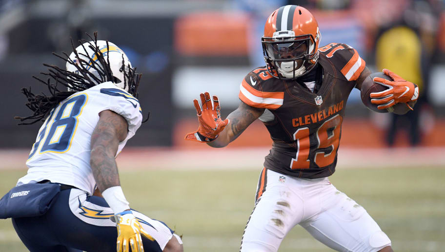 CLEVELAND, OH - DECEMBER 24:  Corey Coleman #19 of the Cleveland Browns runs after the catch against Trovon Reed #38 of the San Diego Chargers at FirstEnergy Stadium on December 24, 2016 in Cleveland, Ohio. (Photo by Jason Miller/Getty Images)