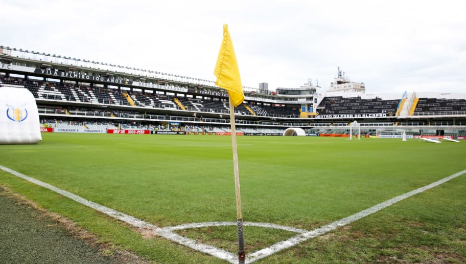 SANTOS, BRAZIL - DECEMBER 11:  General view of the stadium before the match between Santos and America MG for the Brazilian Series A 2016 at Vila Belmiro stadium on December 11, 2016 in Sao Paulo, Brazil. (Photo by Alexandre Schneider/Getty Images)