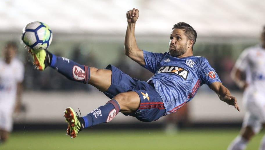 bc251feba6 Pouco utilizada, terceira camisa do Flamengo 'encalha' nas lojas ...
