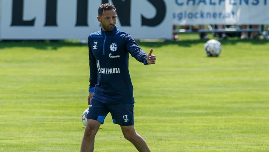 MITTERSILL, AUSTRIA - AUGUST 01: Head coach Domenico Tedesco of Schalke gestures during the Schalke 04 Training Camp on August 1, 2018 in Mittersill, Austria. (Photo by TF-Images/Getty Images)