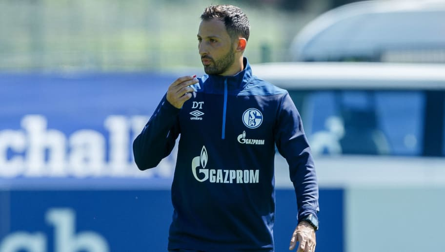 MITTERSILL, AUSTRIA - JULY 31: Head coach Domenico Tedesco of Schalke looks on during the Schalke 04 Training Camp on July 31, 2018 in Mittersill, Austria. (Photo by TF-Images/Getty Images)