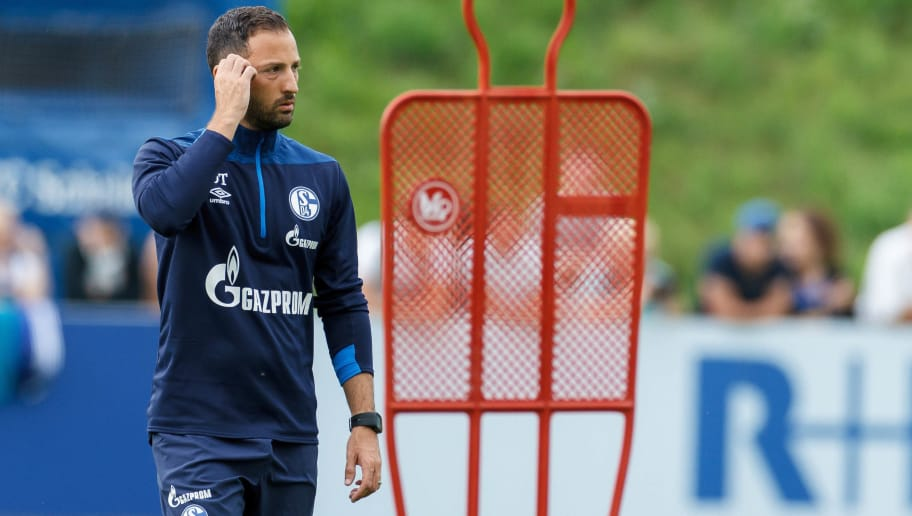 MITTERSILL, AUSTRIA - AUGUST 03: Head coach Domenico Tedesco of Schalke looks on during the Schalke 04 Training Camp on August 3, 2018 in Mittersill, Austria. (Photo by TF-Images/Getty Images)