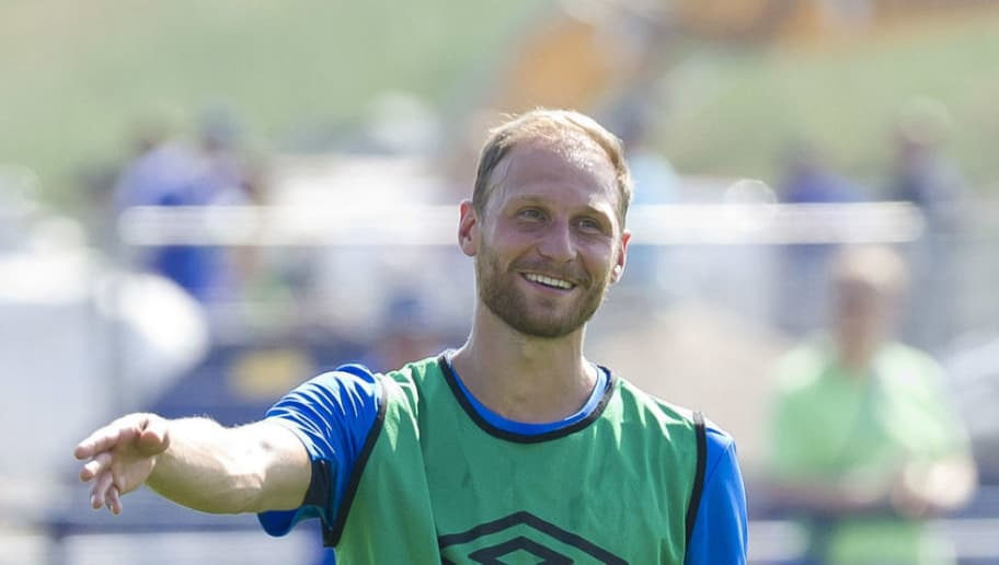 GELSENKIRCHEN, GERMANY - JULY 26: Benedikt Hoewedes of Schalke gestures during a training session at the FC Schalke 04 Training center on July 26, 2018 in Gelsenkirchen, Germany. (Photo by TF-Images/Getty Images)
