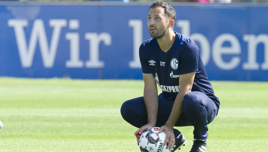 GELSENKIRCHEN, GERMANY - JULY 26: Head coach Domenico Tedesco of Schalke looks on during a training session at the FC Schalke 04 Training center on July 26, 2018 in Gelsenkirchen, Germany. (Photo by TF-Images/Getty Images)