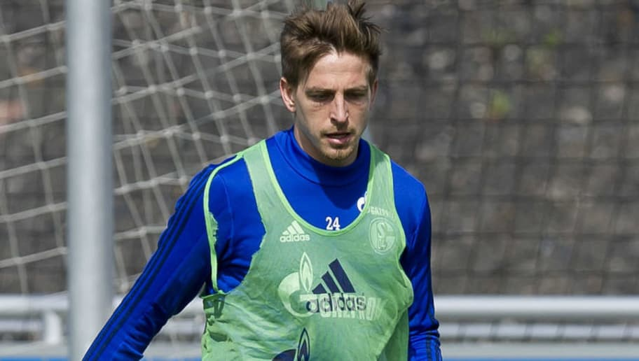 GELSENKIRCHEN, GERMANY - MAY 02: Bastian Oczipka of Schalke controls the ball during a training session at the FC Schalke 04 Training center on May 2, 2018 in Gelsenkirchen, Germany. (Photo by TF-Images/Getty Images)