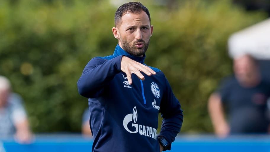 GELSENKIRCHEN, GERMANY - AUGUST 21: Head coach Domenico Tedesco of Schalke gestures during the Schalke 04 training session on August 21, 2018 in Gelsenkirchen, Germany. (Photo by TF-Images/Getty Images)