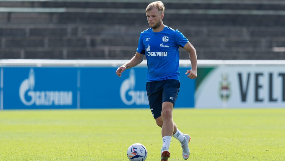 GELSENKIRCHEN, GERMANY - AUGUST 29:   Johannes Geis of Schalke  controls the ball during the Schalke 04 U23 Training Session on August 29, 2018 in Gelsenkirchen, Germany. (Photo by TF-Images/Getty Images)