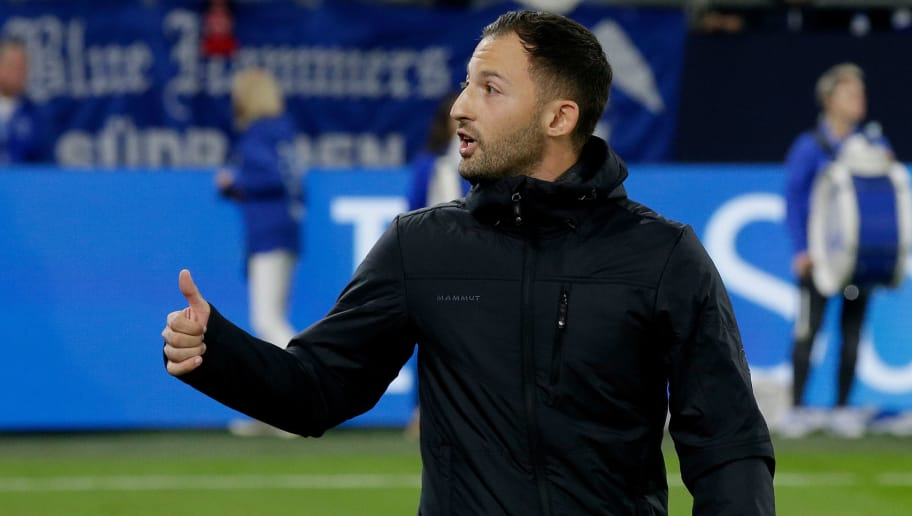 GELSENKIRCHEN, GERMANY - SEPTEMBER 22: coach Domenico Tedesco of Schalke 04 during the German Bundesliga  match between Schalke 04 v Bayern Munchen at the Veltins Arena on September 22, 2018 in Gelsenkirchen Germany (Photo by Erwin Spek/Soccrates/Getty Images)
