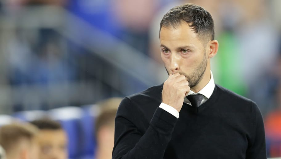 GELSENKIRCHEN, GERMANY - SEPTEMBER 18: coach Domenico Tedesco of Schalke 04 during the UEFA Champions League  match between Schalke 04 v FC Porto at the Veltins Arena on September 18, 2018 in Gelsenkirchen Germany (Photo by Peter Lous/Soccrates/Getty Images)