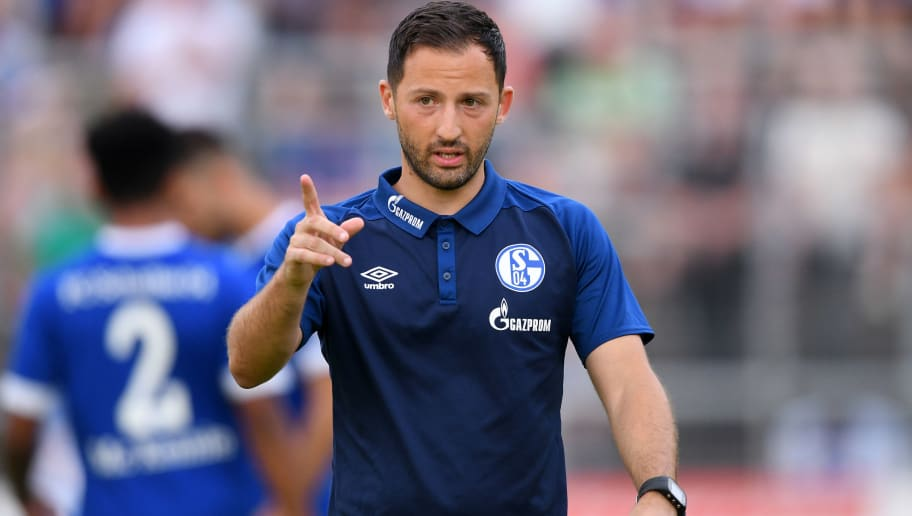 ESSEN, GERMANY - JULY 21: coach Domenico Tedesco of Schalke gestures during the Friendly match between Schwarz Weiss Essen and FC Schalke 04 on July 21, 2018 in Essen, Germany. (Photo by TF-Images/Getty Images)