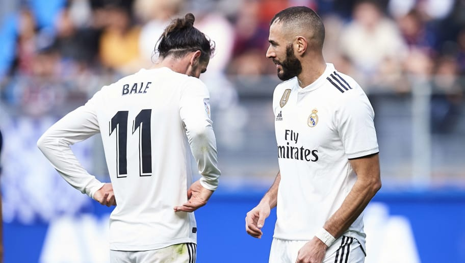 EIBAR, SPAIN - NOVEMBER 24: Karim Benzema and Gareth Bale of Real Madrid during the La Liga match between SD Eibar and Real Madrid CF at Ipurua Municipal Stadium on November 24, 2018 in Eibar, Spain. (Photo by Juan Manuel Serrano Arce/Getty Images)