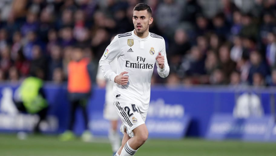 HUESCA, SPAIN - DECEMBER 9: Dani Ceballos of Real Madrid  during the La Liga Santander  match between SD Huesca v Real Madrid at the Estadio El Alcoraz on December 9, 2018 in Huesca Spain (Photo by Jeroen Meuwsen/Soccrates/Getty Images)