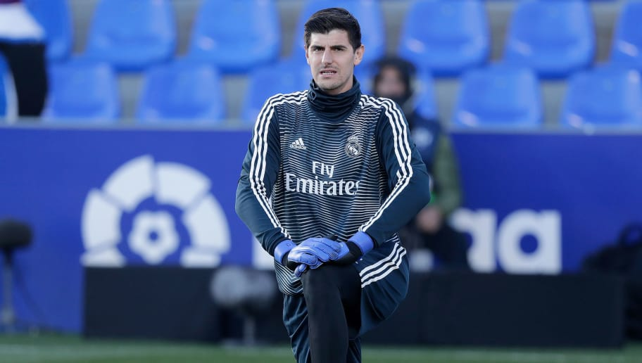 HUESCA, SPAIN - DECEMBER 9: Thibaut Courtois of Real Madrid  during the La Liga Santander  match between SD Huesca v Real Madrid at the Estadio El Alcoraz on December 9, 2018 in Huesca Spain (Photo by Jeroen Meuwsen/Soccrates/Getty Images)