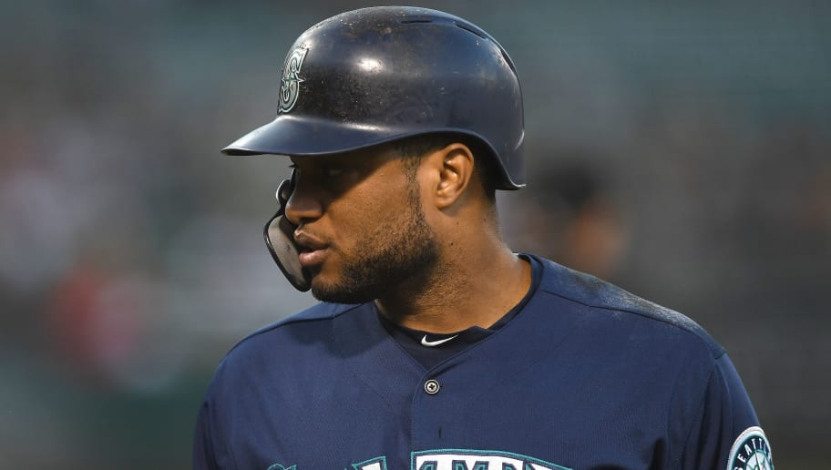 OAKLAND, CA - AUGUST 30:  Robinson Cano #22 of the Seattle Mariners looks on against the Oakland Athletics in the top of the first inning at Oakland Alameda Coliseum on August 30, 2018 in Oakland, California.  (Photo by Thearon W. Henderson/Getty Images)