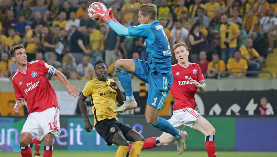 DRESDEN, GERMANY - SEPTEMBER 18: Goalkeeper Julian Pollersbeck of Hamburger SV controls the ball during the Second Bundesliga match between SG Dynamo Dresden and Hamburger SV at DDV-Stadion on September 18, 2018 in Dresden, Germany. (Photo by TF-Images/Getty Images)
