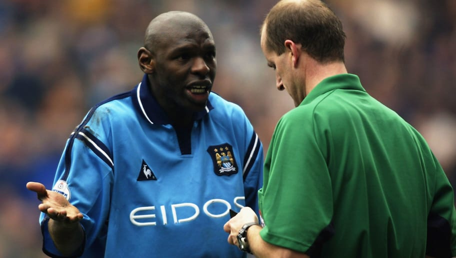 Shaun Goater of Manchester City appeals to referee Mike Pike