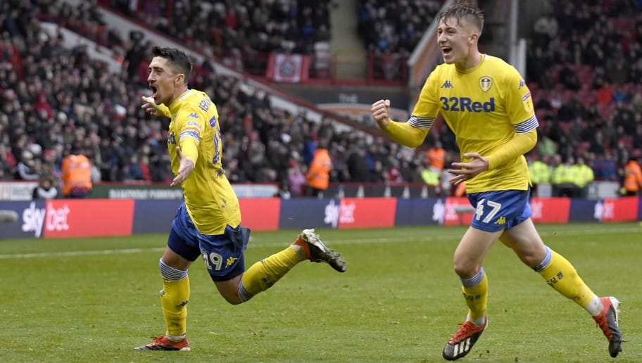 SHEFFIELD, ENGLAND - DECEMBER 01: Pablo Hernandez of Leeds United celebrates with Jack Clarke after scoring the opening goal during the Sky Bet Championship match between Sheffield United and Leeds United at Bramall Lane on December 01, 2018 in Sheffield, England. (Photo by George Wood/Getty Images)