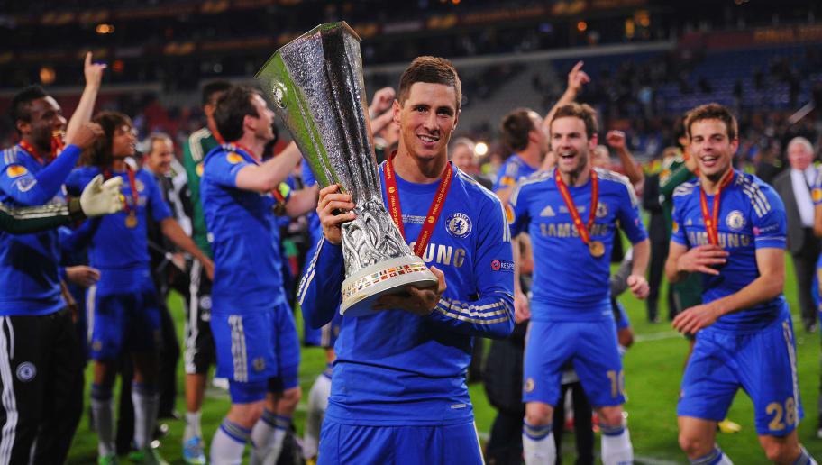 AMSTERDAM, NETHERLANDS - MAY 15: Fernando Torres celebrates with the trophy during the UEFA Europa League Final between SL Benfica and Chelsea FC at Amsterdam Arena on May 15, 2013 in Amsterdam, Netherlands.  (Photo by Michael Regan/Getty Images)