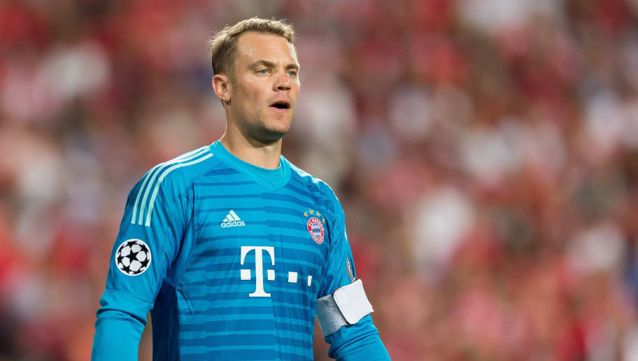 LISBON, PORTUGAL - SEPTEMBER 19: Goalkeeper Manuel Neuer of Bayern Muenchen looks on during the UEFA Champions League Group E match between SL Benfica and FC Bayern Muenchen at Estadio da Luz on September 19, 2018 in Lisbon, Portugal. (Photo by TF-Images/Getty Images)
