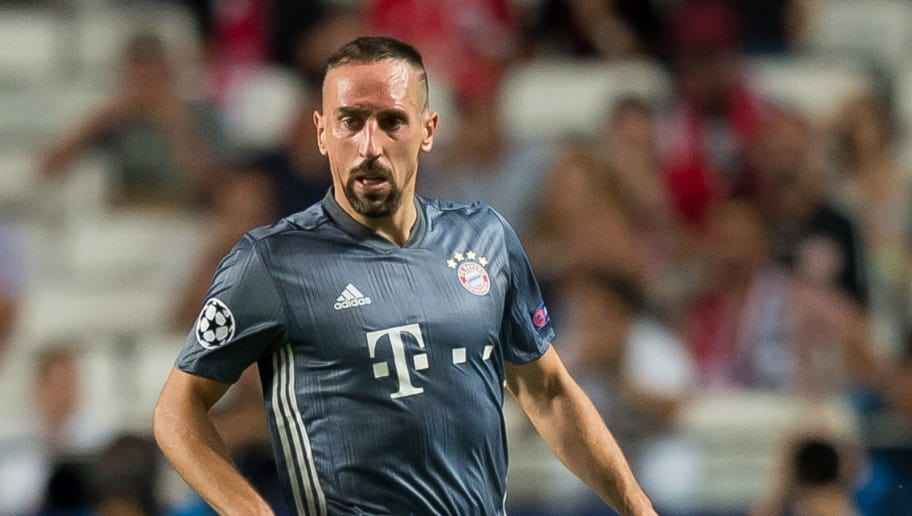 LISBON, PORTUGAL - SEPTEMBER 19: Franck Ribery of Bayern Muenchen controls the ball during the UEFA Champions League Group E match between SL Benfica and FC Bayern Muenchen at Estadio da Luz on September 19, 2018 in Lisbon, Portugal. (Photo by TF-Images/Getty Images)