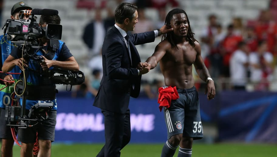 LISBON, PORTUGAL - SEPTEMBER 19: Goal scorer Renato Sanches of Bayern Munchen congratulated by Niko Kovac of Bayern Munchen at the end of the UEFA Champions League Group E match between SL Benfica and FC Bayern Munchen at Estadio da Luz on September 19, 2018 in Lisbon, Portugal.  (Photo by Gualter Fatia/Getty Images)