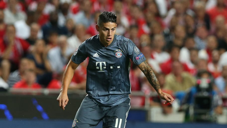LISBON, PORTUGAL - SEPTEMBER 19: James Rodriguez of Bayern Munchen in action during the UEFA Champions League Group E match between SL Benfica and FC Bayern Munchen at Estadio da Luz on September 19, 2018 in Lisbon, Portugal.  (Photo by Gualter Fatia/Getty Images)