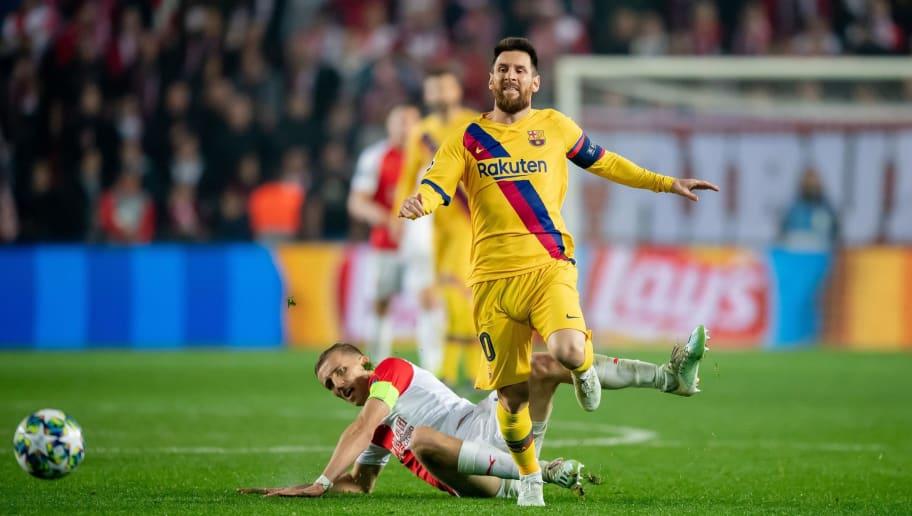 Lionel Messi,Tomas Soucek