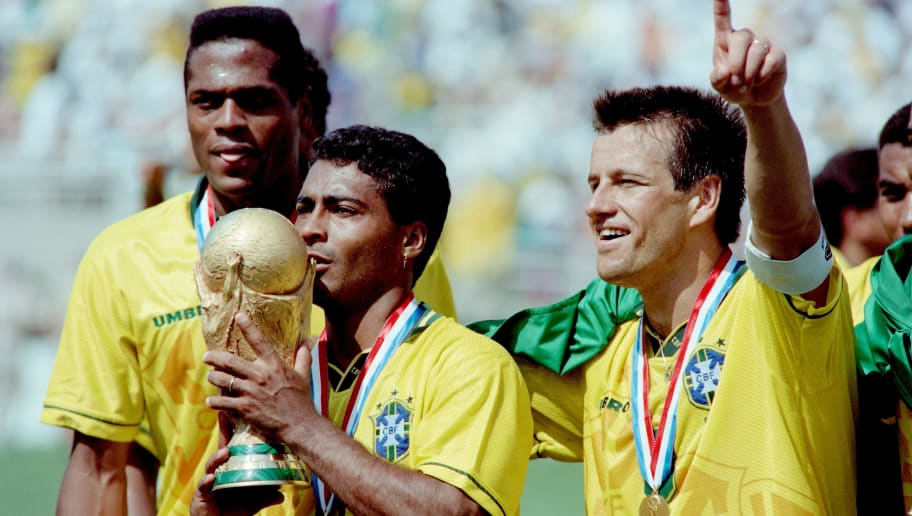 SOCCER-WORLD CUP-1994-BRAZIL-ROMARIO-TROPHY