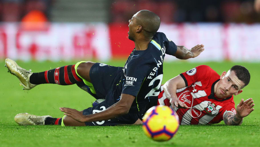 SOUTHAMPTON, ENGLAND - DECEMBER 30:  Pierre-Emile Hojbjerg of Southampton fouls Fernandinho of Manchester City and is sent off during the Premier League match between Southampton FC and Manchester City at St Mary's Stadium on December 29, 2018 in Southampton, United Kingdom.  (Photo by Dan Istitene/Getty Images)