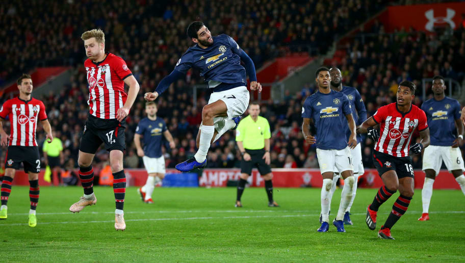 SOUTHAMPTON, ENGLAND - DECEMBER 01:  Marouane Fellaini of Manchester United heads the ball towards goal during the Premier League match between Southampton FC and Manchester United at St Mary's Stadium on December 01, 2018 in Southampton, United Kingdom. (Photo by Dan Istitene/Getty Images)