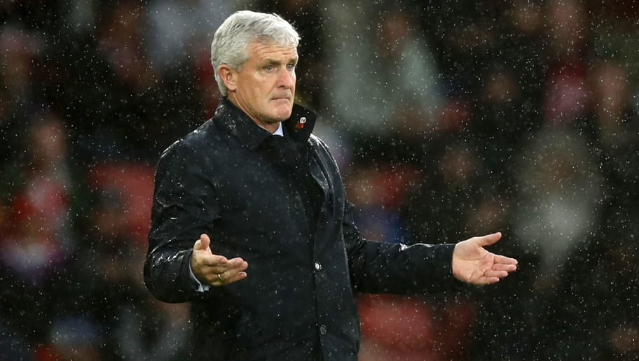 SOUTHAMPTON, ENGLAND - NOVEMBER 10:  Mark Hughes, Manager of Southampton gives his team instructions during the Premier League match between Southampton FC and Watford FC at St Mary's Stadium on November 10, 2018 in Southampton, United Kingdom.  (Photo by Bryn Lennon/Getty Images)