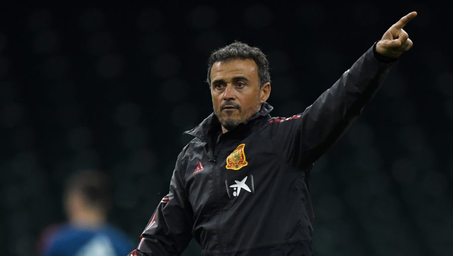 CARDIFF, WALES - OCTOBER 10:  Luis Enrique, Head Coach of Spain gives his team instructions during a Spain training session whilst under a closed roof at Principality Stadium on October 10, 2018 in Cardiff, Wales.  (Photo by Stu Forster/Getty Images)