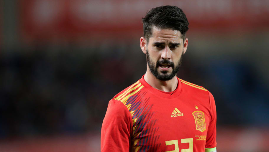 LAS PALMAS DE GRAN CANARIA, SPAIN - NOVEMBER 18: Isco of Spain  during the  UEFA Nations league match between Spain  v Bosnia and Herzegovina  at the Estadio de Gran Canaria on November 18, 2018 in Las Palmas de Gran Canaria Spain (Photo by David S. Bustamante/Soccrates /Getty Images)