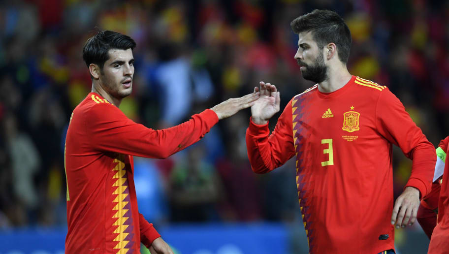 MALAGA, SPAIN - NOVEMBER 11:  Alvaro Morata (L) of Spain celebrates scoring his side's second goal during the international friendly match between Spain and Costa Rica at La Rosaleda Stadium on November 11, 2017 in Malaga, Spain.  (Photo by Etsuo Hara/Getty Images)