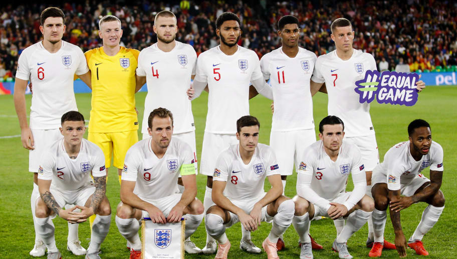 SEVILLA, SPAIN - OCTOBER 15: (L-R) Harry Maguire of England, Jordan Pickford of England, Eric Dier of England, Joe Gomez of England, Marcus Rasford of England, Ross Barkley of England,  Kieran Trippier of England, Harry Kane of England, Harry Winks of England, Ben Chilwell of England, Raheem Sterling of England during the  UEFA Nations league match between Spain  v England  at the Estadio Benito Villamarin on October 15, 2018 in Sevilla Spain (Photo by David S. Bustamante/Soccrates/Getty Images)