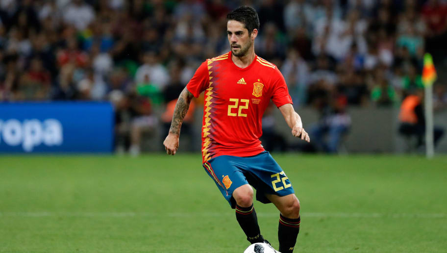 KRASNODAR, RUSSIA - JUNE 09: Isco Alarcon of Spain controls the ball during the friendly match between Spain and Tunisia at Krasnodar's stadium on June 9, 2018 in Krasnodar, Russia. (Photo by TF-Images/Getty Images)