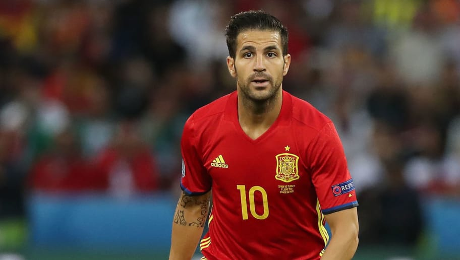 NICE, FRANCE - JUNE 17:  Cesc Fabregas of Spain controls the ball during the UEFA EURO 2016 Group D match between Spain and Turkey at Allianz Riviera Stadium on June 17, 2016 in Nice, France. (Photo by Ian MacNicol/Getty Images)