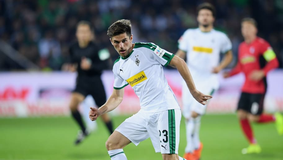 FREIBURG IM BREISGAU, GERMANY - OCTOBER 26: Jonas Hofmann of Borussia Monchengladbach passes the ball during the Bundesliga match between Sport-Club Freiburg and Borussia Moenchengladbach at Schwarzwald-Stadion on October 26, 2018 in Freiburg im Breisgau, Germany. (Photo by Matthias Hangst/Bongarts/Getty Images)