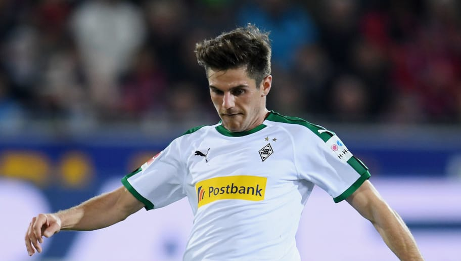 FREIBURG IM BREISGAU, GERMANY - OCTOBER 26: Jonas Hofmann of Borussia Monchengladbach controls the ball during the Bundesliga match between Sport-Club Freiburg and Borussia Moenchengladbach at Schwarzwald-Stadion on October 26, 2018 in Freiburg im Breisgau, Germany. (Photo by Matthias Hangst/Bongarts/Getty Images)