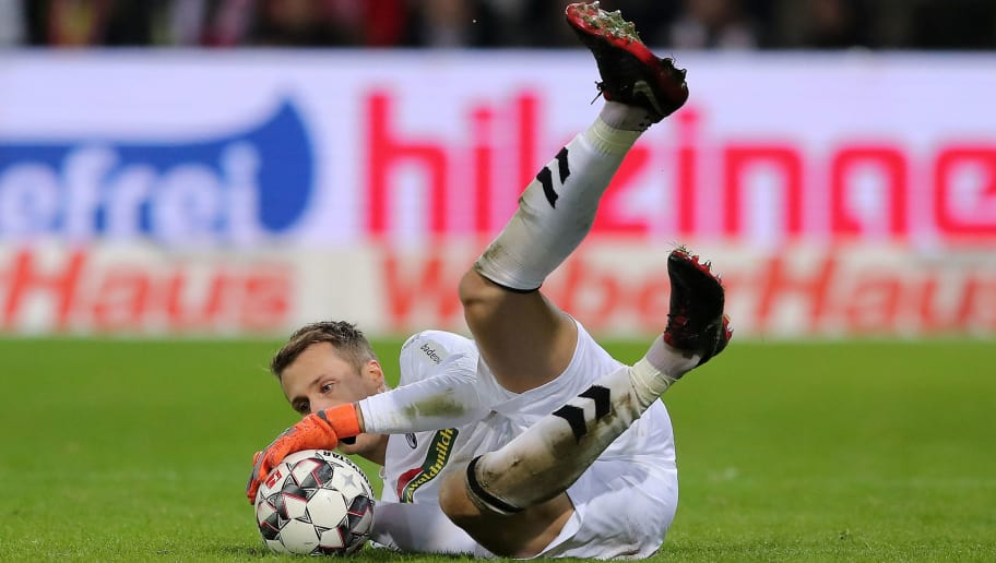 FREIBURG IM BREISGAU, GERMANY - DECEMBER 19: Alexander Schwolow of SC Freiburg in action during the Bundesliga match between Sport-Club Freiburg and Hannover 96 at Schwarzwald-Stadion on December 19, 2018 in Freiburg im Breisgau, Germany. (Photo by Christian Kaspar-Bartke/Bongarts/Getty Images)