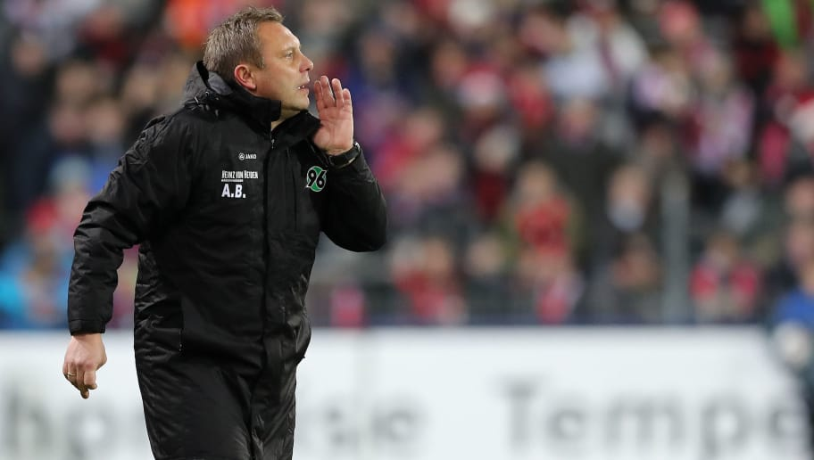 FREIBURG IM BREISGAU, GERMANY - DECEMBER 19: Head coach Andre Breitenreiter of Hannover 96 reacts during the Bundesliga match between Sport-Club Freiburg and Hannover 96 at Schwarzwald-Stadion on December 19, 2018 in Freiburg im Breisgau, Germany. (Photo by Christian Kaspar-Bartke/Bongarts/Getty Images)