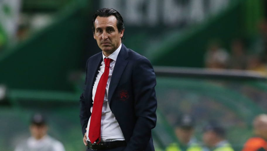 LISBON, PORTUGAL - OCTOBER 25: Unai Emery of Arsenal looks on during the UEFA Europa League - Group E match between Sporting CP and Arsenal at Estadio Jose Alvalade on October 25, 2018 in Lisbon, Portugal.  (Photo by Gualter Fatia/Getty Images)