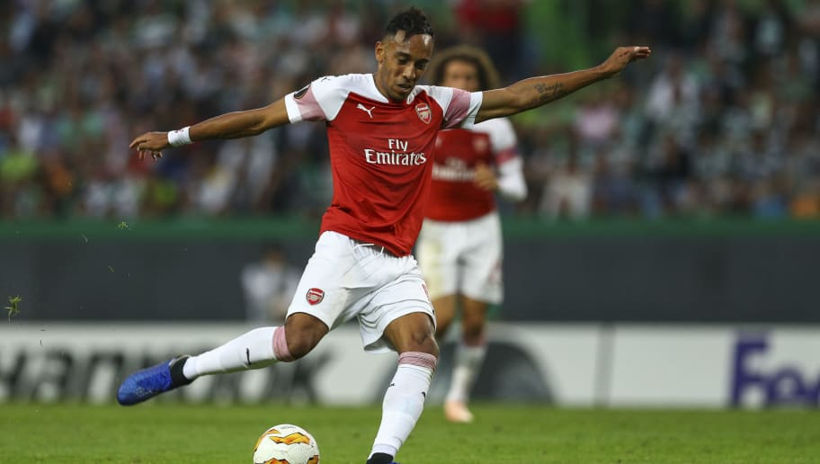 LISBON, PORTUGAL - OCTOBER 25: Pierre-Emerick Aubameyang of Arsenal during the UEFA Europa League Group E match between Sporting CP and Arsenal at Estadio Jose Alvalade on October 25, 2018 in Lisbon, Portugal. (Photo by Carlos Rodrigues/Getty Images)