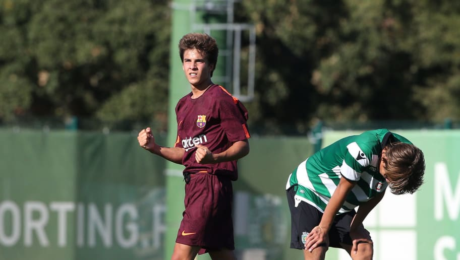 ALCOCHETE, PORTUGAL - SEPTEMBER 27:  FC Barcelona's Ricard Puig celebrates the victory at the end of the UEFA Youth League match between Sporting CP and FC Barcelona at CGD Stadium Aurelio Pereira on September 27, 2017 in Alcochete, Portugal.  (Photo by Gualter Fatia/Getty Images)
