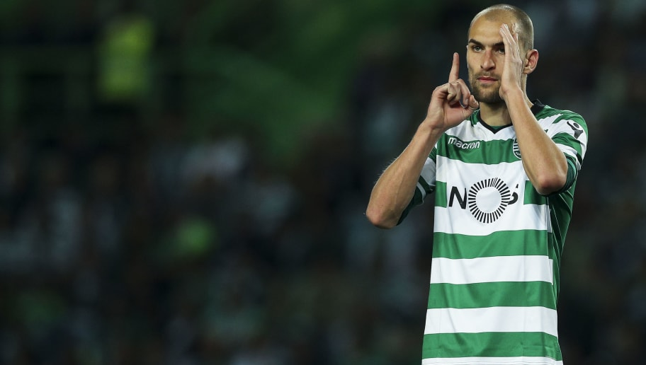 LISBON, PORTUGAL - MAY 05: Sporting CP forward Bas Dost from Holland during the Portuguese Primeira Liga match between Sporting CP and SL Benfica at Estadio Jose Alvalade on May 05, 2018 in Lisbon, Lisboa. (Photo by Carlos Rodrigues/Getty Images)