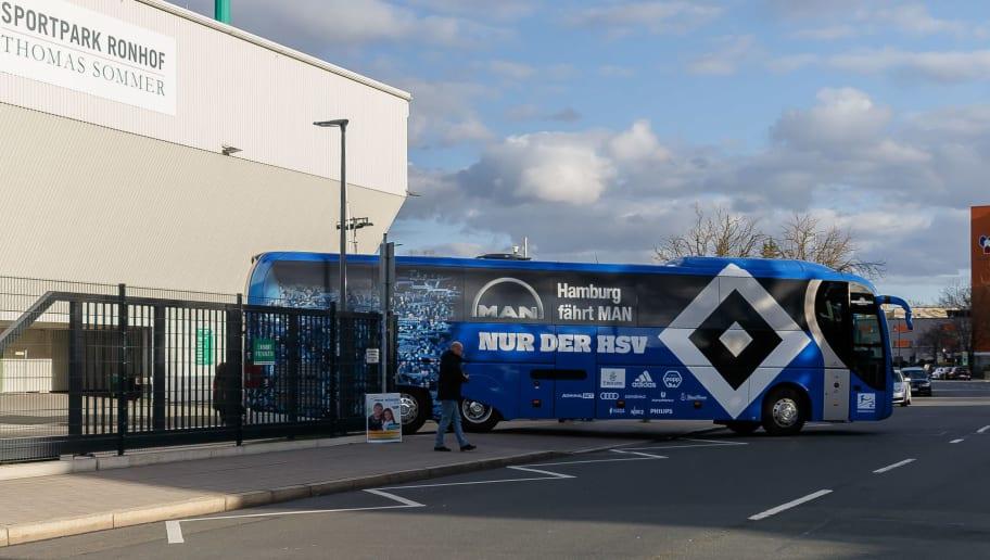 Hamburger Mannschaftsbus